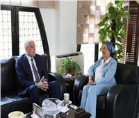 «وزيرة البيئة» تناقش مع محافظ جنوب سيناء تطوير المحميات وتحويل شرم الشيخ إلى مدينة خضراء