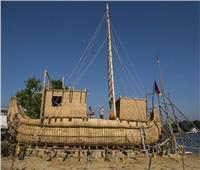 شاهد  باحثون يخوضون مغامرة بـ«مركب مصنوع من القصب»