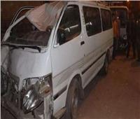 بالأسماء.. إصابة 3 أشخاص في اصطدام ميكروباص بعامود كهرباء بقنا