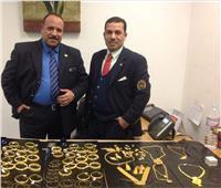 جمارك برج العرب تحبط محاولة تهريب 36 هاتف و475 جرام مشغولات ذهبية