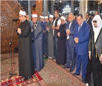 صور| نقيب الأشراف: مسجد الحسين لم يتعرض للاقتحام.. وانقطاع بث الخطبة «عطل فني»