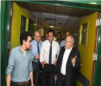 رئيس جامعة القاهرة يتابع حادث معهد الأورام حتى الصباح