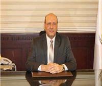 """رئيس حزب """"المصريين"""" يتبرع بـ100 ألف جنيه لمعهد الأورام"""