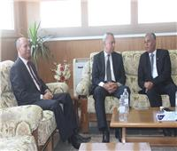 محافظ قنا ومدير الأمن يهنئان رئيس جامعة جنوب الوادي الجديد