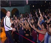 صور  مصطفى قمر يحتفل مع جمهوره بألبومه الجديد