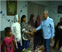 «محافظ الأقصر» يهنئالأيتام والجمعيات الخيرية بعيد الأضحى