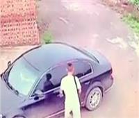 حبس سائق لاستيلائه على سيارة يعمل عليها ومساومة مالكتها بالنزهة