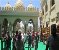 وفود سياحية من جنسيات مختلفة تزور مسجد الميناء الكبير بالغردقة.. صور