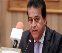 وزير التعليم العالي يؤكد على أهمية ممارسة الأنشطة الطلابية