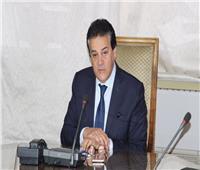 عبدالغفار يستعرض تقريرا حول التعاون بين «الأبحاث» و«الحفاظ على الفطريات»
