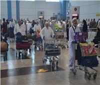 صور| مطار القاهرة يستقبل 900 حاج من جدة اليوم