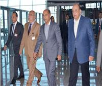 بصور| وزير الطيران المدني يتفقد مطار الغردقة الدولي