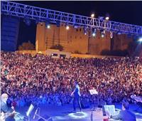 فيديو|صابر الرباعي يشعل سماء سوسة التونسية بحفل «كامل العدد»