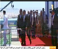 الرئيس السيسي يتفقد الصوب الزراعية الجديدة بقاعدة محمد نجيب