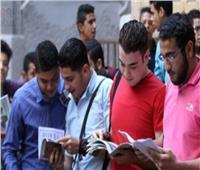 طلاب الثانوية العامة: امتحان اللغة العربية في مستوى الطالب المتوسط