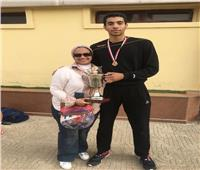خاص| والدة حسن وليد هداف المنتخب : الشباب قادرون على صنع المعجزات