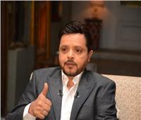 محمد هنيدي يهنئ ناشئي الفراعنة عقب التتويج بمونديال اليد