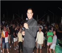 صور| الليثي يتألق في حفل «كامل العدد» بالساحل الشمالي