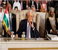 الرئيس الفلسطيني يلزم أعضاء الحكومة السابقة بإعادة الأموال التي تقاضوها