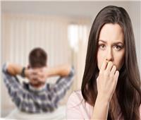ما حكم إخفاء دخل الزوج عن الزوجة؟ «المفتي السابق» يجيب
