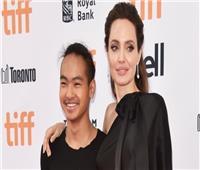 أنجلينا جولي في كوريا الجنوبية لحضور حفل ابنها بالجامعة