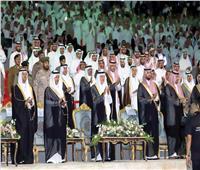 الأمير خالد الفيصل يُتوج «شاعر عكاظ» ويمنحه جائزة مليون ريال