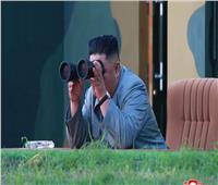 زعيم كوريا الشمالية يشرف على تجربة منصة إطلاق صواريخ ضخمة