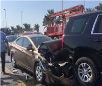 إصابة 10 أشخاص إثر تصادم 3 سيارات في المنيا