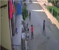 ضبط شخص اعتدى على طفل بالضرب بطريقة وحشية في الشرقية