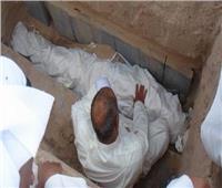 من الذي يحمل المرأة عند دفنها ؟.. «المفتي السابق» يجيب