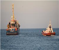 سفينة حربية إسبانية تنقل 15 مهاجرًا رفضت روما استقبالهم