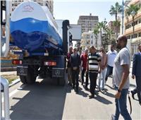 محافظ مطروح يتفقد إعادة تطوير وصيانة ٢٢ سيارة لنقل مياه الشرب