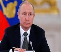 """بوتين يؤكد هاتفيا لميركل أهمية الاستعداد الجاد لقمة """"رباعية نورماندي"""""""