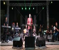 صور| علي الحجار يتألق في حفل «كامل العدد» بالمقطم