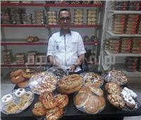 حكايات| مرضى يجدون علاجهم مع «الشيف حمدي».. يصرف الخبز بـ«روشتة»