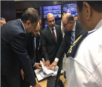 صور| وزير الطيران يتفقد أنظمة كاميرات المراقبة بمطار شرم الشيخ