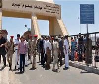 عودة 253 مصريًا .. ووصول 133 شاحنة من ليبيا عبر منفذ السلوم البري