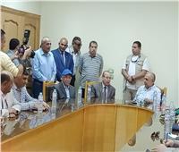 صور| وزير الزراعة يلتقي محافظ كفر الشيخ في زيارته لمحطة البحوث