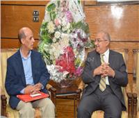 صور| رئيس جامعة أسيوط يستقبل وفدًا رسميًا من وزارة التعليم العالي
