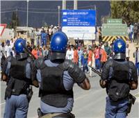 شرطة جنوب أفريقيا تلقي القبض على عشرات الأشخاص بعد شغب في جوهانسبرج
