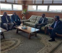 رئيس جامعة جنوب الوادي يبحث سبل التعاون مع البنك الزراعي المصري