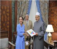 الإمام الأكبر: القيم الأساسية للأديان السماوية متشابهة وتدعو إلى الإنسانية