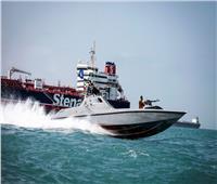 إيران تحتجز سفينة جديدة في مياه الخليج على متنها 12 بحارا