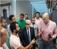 محافظ بورسعيد يتابع سير العمل بمستشفى الحياة ببورفؤاد