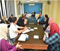 محافظ بورسعيد يلتقي بالعاملين بديوان عام مدينة بورفؤاد