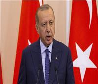أردوغان يشير إلى خلافات مع أمريكا رغم بدء دوريات مشتركة في سوريا