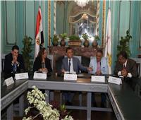 جامعة عين شمس تبحث رفع كفاءة الجهاز الإداري بالتنسيق مع «القومي للإدارة»