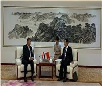 وزير قطاع الأعمال يبحثمع وزير الصناعة الصيني التعاون