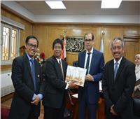 نائب رئيس جامعة الأزهر يستقبل وفدًا إندونيسيًا لبحث آفاق التعاون المشترك