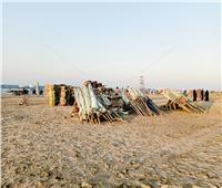 صور| «شالوا الشماسي».. المحافظات الساحلية تودع أيام «الصيفية»